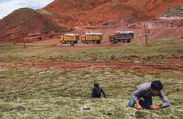 Западный Тибет закрыт для иностранцев: здесь стоят китайские ракеты, направленные в сторону Индии, но именно в этот район многие востоковеды «помещают» и древнюю Шамбалу