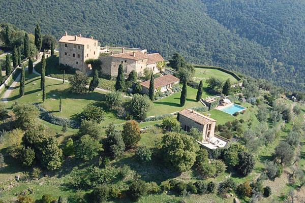 В итальянском замке устраивают «тихую охоту»