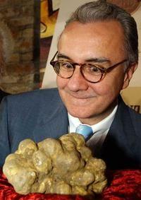 Рекордные цены на трюфели на международном аукционе в Альбе